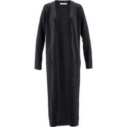 Długi płaszcz dzianinowy, długi rękaw bonprix czarny. Czarne płaszcze damskie bonprix, z dzianiny. Za 119,99 zł.