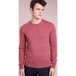 Johnstons Cashmere Sweter rot. Czerwone swetry klasyczne męskie Johnstons Cashmere, m, z kaszmiru. W wyprzedaży za 587,60 zł.