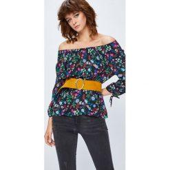 Medicine - Bluzka Secret Garden. Szare bluzki z odkrytymi ramionami marki MEDICINE, l, z tkaniny, z okrągłym kołnierzem. W wyprzedaży za 49,90 zł.