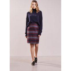 Swetry klasyczne damskie: Vanessa Bruno HABLA Sweter marine
