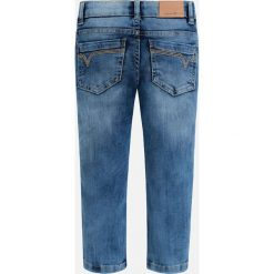 Mayoral - Jeansy dziecięce 92-134 cm. Różowe jeansy męskie relaxed fit marki Mayoral, z bawełny, z okrągłym kołnierzem. Za 109,90 zł.