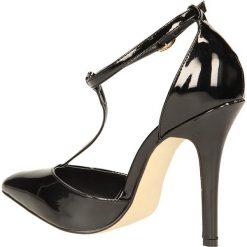 CZÓŁENKA CASU 628-81. Czarne buty ślubne damskie Casu, na koturnie. Za 89,99 zł.