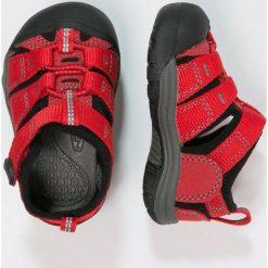 Keen NEWPORT H2 Sandały trekkingowe ribbon red/gargoyle. Czerwone sandały chłopięce Keen, z gumy. Za 169,00 zł.