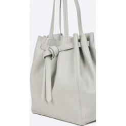 Answear - Torebka skórzana. Białe shopper bag damskie ANSWEAR, z materiału, średnie. W wyprzedaży za 169,90 zł.