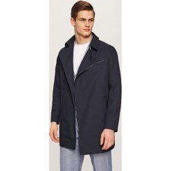 Płaszcze męskie: Płaszcz z asymetrycznym zapięciem – Granatowy