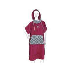 Ponczo PASSION FRUIT. Czerwone poncza marki Vada, z aplikacjami, z bawełny. Za 259,00 zł.
