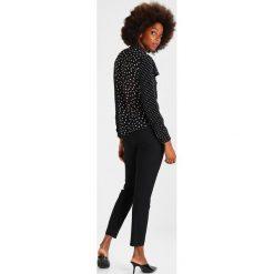 Bluzki asymetryczne: Finery London SALTERTON PRINTED BLOUSE Bluzka black/ivory