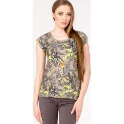 T-shirt z kwiatowym printem. Szare t-shirty damskie Monnari, z wiskozy. Za 47,60 zł.