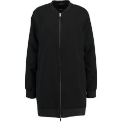 Opus HANA Kurtka wiosenna black. Czarne kurtki damskie Opus, z elastanu. W wyprzedaży za 356,30 zł.