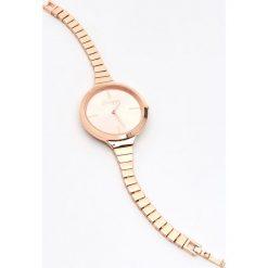 Zegarki damskie: Zegarek na cienkiej bransoletce - Złoty