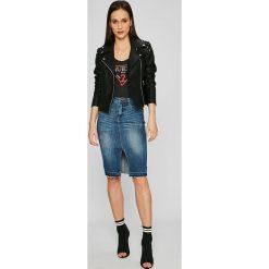 Guess Jeans - Top. Szare topy damskie marki Guess Jeans, l, z nadrukiem, z bawełny. W wyprzedaży za 99,90 zł.