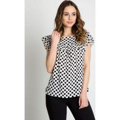 Bluzki damskie: Luźna bluzka w groszki z falbaną BIALCON