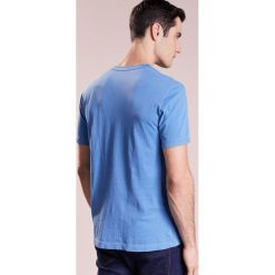 James Perse CREW LIGHTWEIGHT Tshirt basic hume. Niebieskie koszulki polo James Perse, m, z bawełny. W wyprzedaży za 246,35 zł.