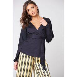 Bluzki damskie: NA-KD Trend Kopertowa bluzka kimono – Black