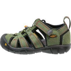 Keen SEACAMP II CNX Sandały trekkingowe bronze green/chili pepper. Czerwone sandały męskie skórzane marki Keen. W wyprzedaży za 167,30 zł.