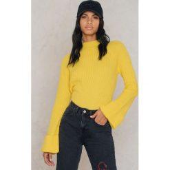 Trendyol Sweter z szerokim rękawem - Yellow. Żółte swetry klasyczne damskie marki Trendyol, z dzianiny. W wyprzedaży za 55,48 zł.