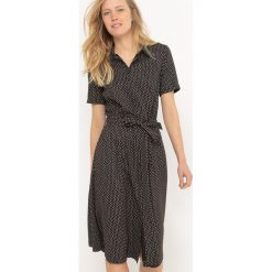 Długie sukienki: Rozszerzana, długa sukienka w groszki
