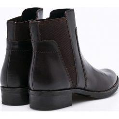 Geox - Botki. Czarne buty zimowe damskie marki Geox, z gumy, na obcasie. W wyprzedaży za 299,90 zł.