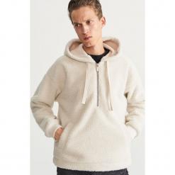 Polarowa bluza z kapturem - Kremowy. Czarne bluzy męskie rozpinane marki Cropp, l, z polaru, z kapturem. Za 179,99 zł.