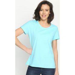 Jasnoniebieski T-shirt Whatness. Niebieskie t-shirty damskie Born2be, l. Za 24,99 zł.