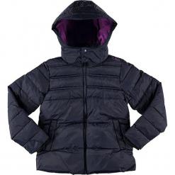 Kurtka zimowa w kolorze granatowym. Niebieskie kurtki dziewczęce przeciwdeszczowe marki CMP Kids, na zimę, z materiału. W wyprzedaży za 122,95 zł.