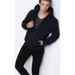 Granatowa Kurtka Under Water. Czarne kurtki męskie pikowane marki Born2be, l, z aplikacjami, z dresówki. Za 159,99 zł.