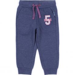 Spodnie. Niebieskie chinosy chłopięce REBELS, z nadrukiem, z bawełny. Za 29,90 zł.