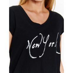 T-shirty damskie: T-SHIRT KRÓTKI RĘKAW DAMSKI, Z NAPISEM