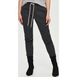Spodnie dresowe damskie: Spodnie dresowe – Czarny