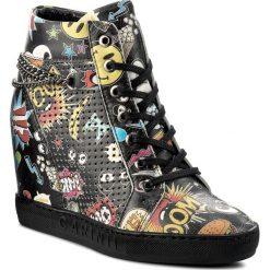Sneakersy CARINII - B3968 K08-000-000-B88. Czarne sneakersy damskie Carinii, z materiału. W wyprzedaży za 209,00 zł.