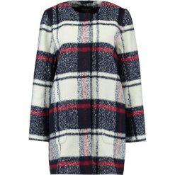 Abercrombie & Fitch Płaszcz wełniany /Płaszcz klasyczny white. Białe płaszcze damskie wełniane Abercrombie & Fitch, xl, klasyczne. W wyprzedaży za 419,60 zł.