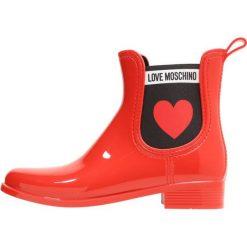 Love Moschino RAIN BOOT Kalosze rosso. Szare buty zimowe damskie marki Love Moschino, z materiału. Za 469,00 zł.