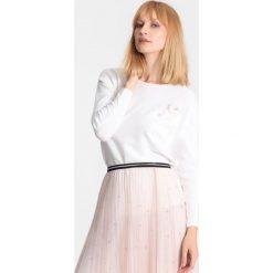 Biały Sweter Chapter One. Białe swetry klasyczne damskie marki other, na jesień, l. Za 64,99 zł.