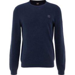BOSS CASUAL KALASSY Sweter dark blue. Niebieskie swetry klasyczne męskie BOSS Casual, m, z bawełny. Za 579,00 zł.