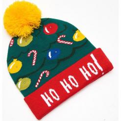 Czapka świąteczna ze światełkami LED - Zielony. Zielone czapki męskie Cropp, wizytowe. Za 39,99 zł.