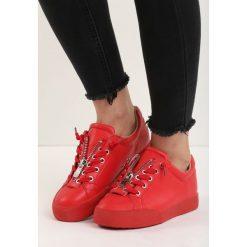 Czerwone Buty Sportowe Zip-On. Czerwone buty sportowe damskie Born2be. Za 69,99 zł.