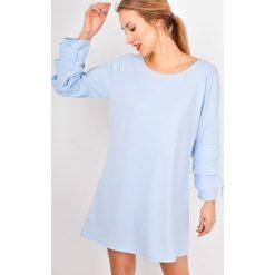 Sukienki: Gładka sukienka z falbankami na rękawach