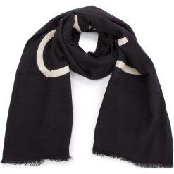 Szal CALVIN KLEIN - Needle Punch Scarf K60K604728  001. Czarne szaliki damskie marki Calvin Klein, z bawełny. Za 229,00 zł.