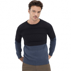Sweter w kolorze czarno-niebieskim. Niebieskie swetry klasyczne męskie marki GALVANNI, l, z okrągłym kołnierzem. Za 289,95 zł.