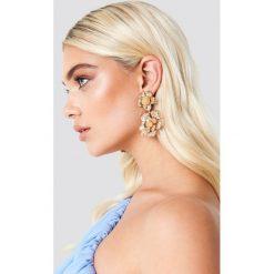 Kolczyki damskie: NA-KD Accessories Kolczyki duże kwiaty – Gold