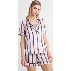 Hesper Fox NOVA STRIPE SHORT SET Piżama rose/dark blue/white. Czerwone piżamy damskie Hesper Fox, l, z jedwabiu. W wyprzedaży za 410,70 zł.