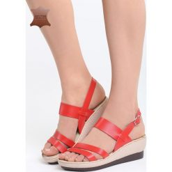 Czerwone Skórzane Sandały Own Self. Czerwone sandały damskie Born2be, z materiału, na koturnie. Za 99,99 zł.