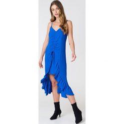NA-KD Boho Sukienka midi z marszczeniem z przodu - Blue. Niebieskie sukienki boho marki NA-KD Boho, na imprezę, w koronkowe wzory, z koronki, na ramiączkach, mini. Za 40,95 zł.