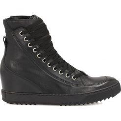 Czarne sneakersy damskie. Czarne sneakersy damskie marki Adidas, z kauczuku, trekkingowe. Za 259,00 zł.