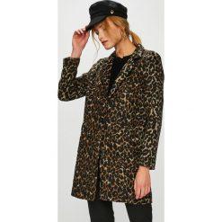 Płaszcze damskie pastelowe: Answear - Płaszcz Animal me