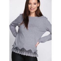 Szary Sweter Be Patient With. Szare swetry klasyczne damskie Born2be, l, z okrągłym kołnierzem. Za 54,99 zł.