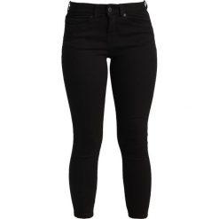 Boyfriendy damskie: Noisy May Petite NMLUCY  Jeans Skinny Fit black