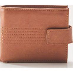 Portfel z dodatkowym miejscem na karty - Beżowy. Brązowe portfele męskie House. Za 39,99 zł.