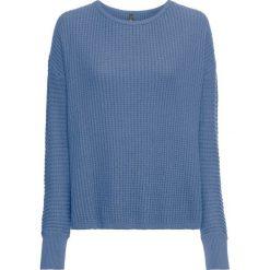 """Sweter dzianinowy bonprix niebieski dżins """"used"""". Niebieskie swetry oversize damskie bonprix, z dzianiny. Za 119,99 zł."""