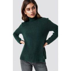 Rut&Circle Sweter z dzianiny Marielle - Green. Szare golfy damskie marki Vila, l, z dzianiny, z okrągłym kołnierzem. Za 161,95 zł.